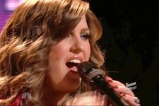 'The Voice' Season 4, Episode 19 Recap: Team Adam's Sarah Simmons Gets Seriously Sexy