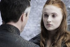 'Game of Thrones' Actress Sophie Turner Addresses Sansa Pregnancy Theory