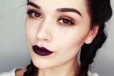 How To Master The Dark Lip Trend This Fall
